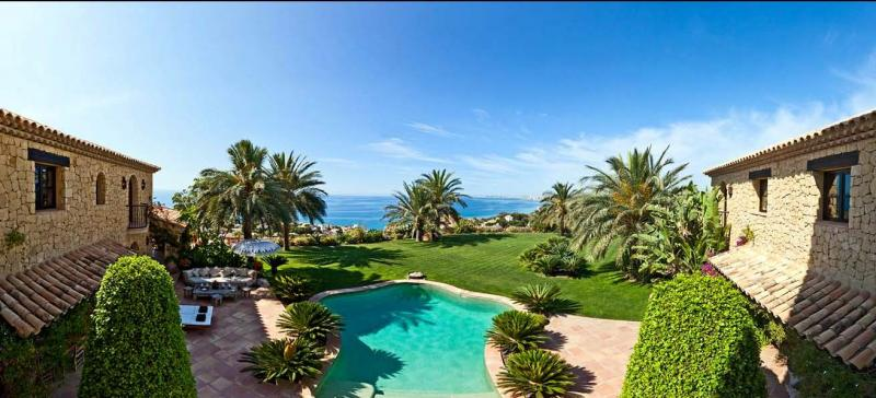 Ville / Villette per Vendita alle ore Luxury Villa for sale in El Campello El Campello, Spagna