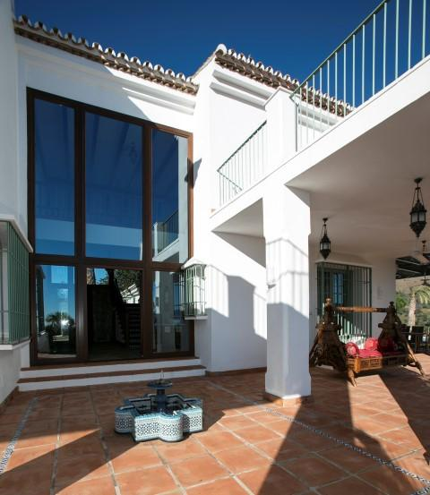 Additional photo for property listing at Villa for sale in Marbella East La Mairena Malaga, España