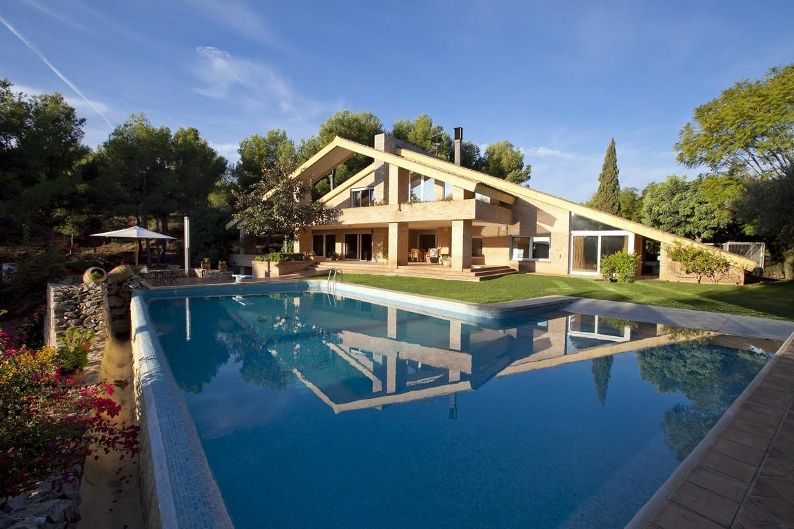 Villas / Townhouses for Sale at Luxury Villa for sale in Puzol Los Monasterios Puzol, Spain