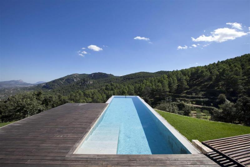Ville / Villette per Vendita alle ore Country House - Finca for sale in Bocairent Valencia, Spagna