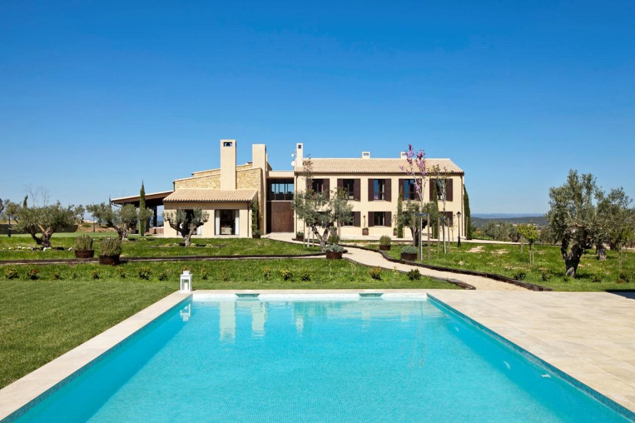 Villas / Townhouses for Sale at Luxury Country House - Finca for sale in Fontanars dels Alforins Valencia, Spain