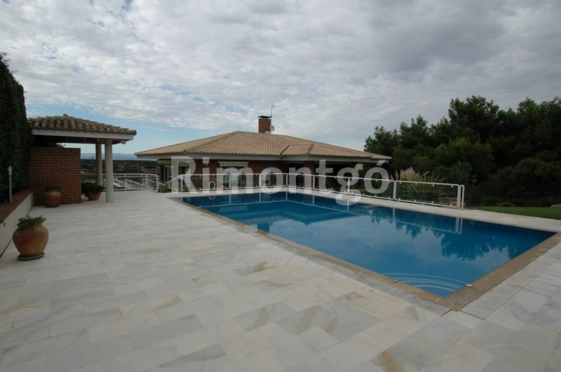 Villa for sale in Chiva El Bosque - Valencia