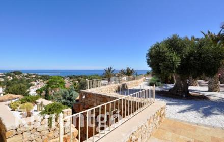 Exclusive newly built villa with magnificent views of the sea and just 3km from Dénia, Alicante.
