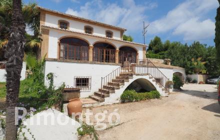 Rustic style finca for sale in the area of Puchol in Javea.