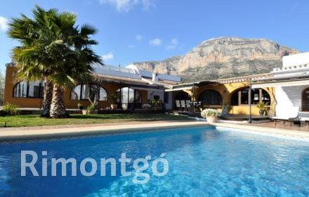 Villa for sale in Valls, Jávea (Xàbia), Alicante and Costa Blanca