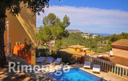 Enchanting villa with sea views in Adsubia, Jávea, Alicante, close to the beaches of  Moraira, Dénia and Jávea.