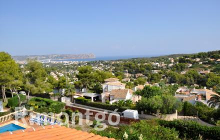 Pleasant villa with views of the sea in the area of Cap Martí in Jávea, Alicante.