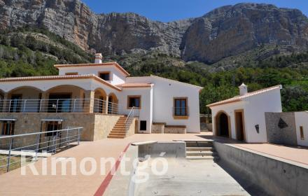 Luxury villa for sale in Partida Montgo, Jávea (Xàbia), Alicante and Costa Blanca