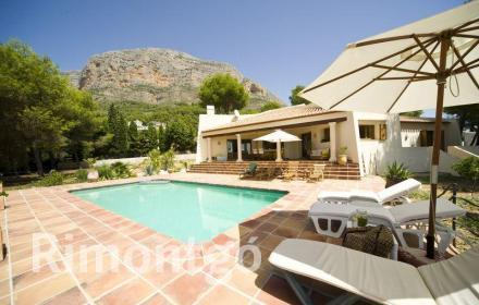 Villa for sale in Partida Montgo, Jávea (Xàbia), Alicante and Costa Blanca