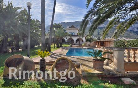 Unique home with a pool in a magnificent location in Denia.