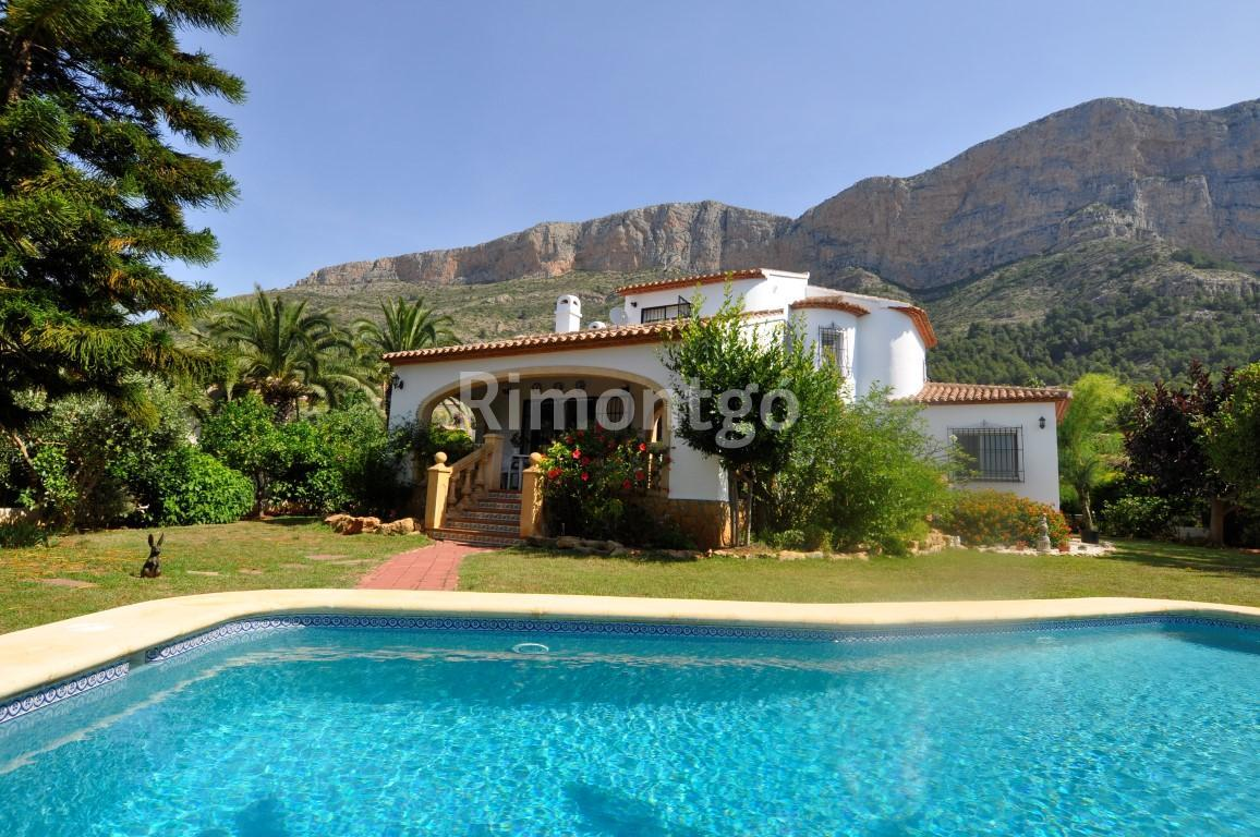 Villa for sale in Montgo Toscamar, Jávea (Xàbia), Alicante and Costa Blanca
