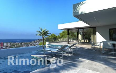 Modern style villa with sea views in Dénia.