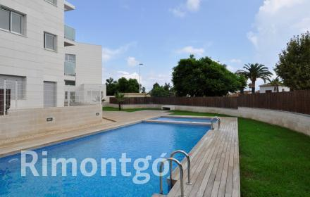 Ground floor apartment very close to the Arenal beach in Javea.