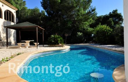 Villa with a pool, BBQ and terrace near the beach in Javea.