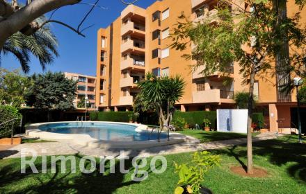 Apartment in a residential complex with pool for sale in Jávea.