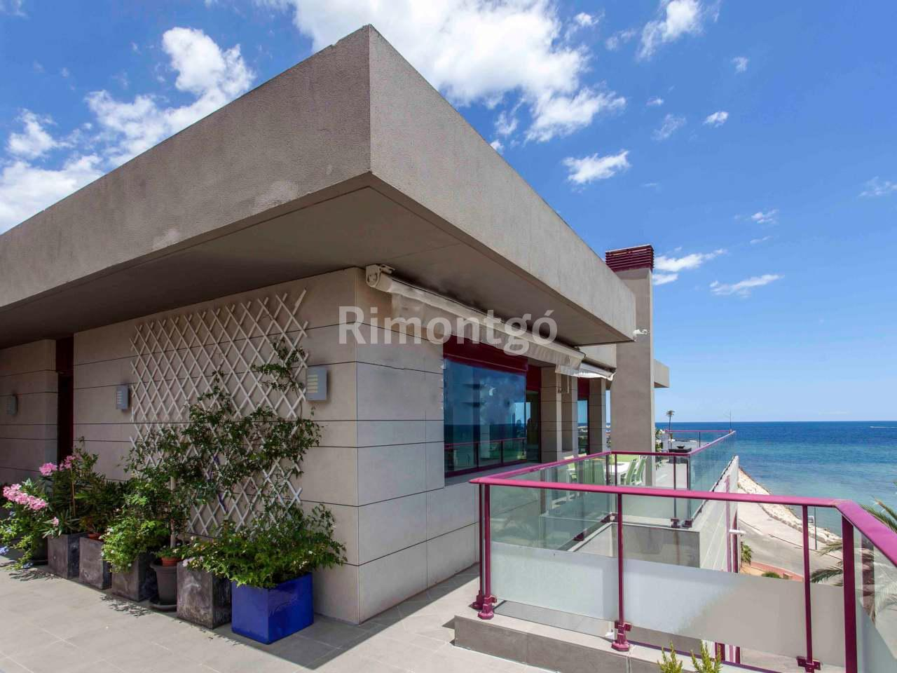 Penthouse for sale in Puerto Denia, Denia, Alicante and Costa Blanca