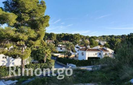 Plot in the area of Adsubia, Jávea, for sale.
