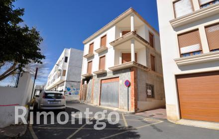 Building for sale in the centre of Jávea.