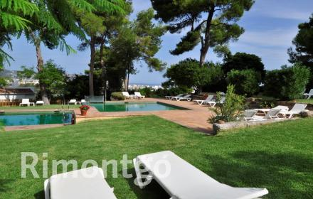 Semi-detached house with private garden for sale in Tosalet, Jávea.