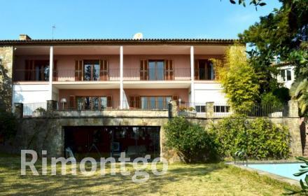 Villa for sale in Barcelona City