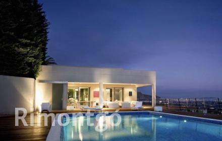 Impressive villa for rent with views of the golf in Dénia.