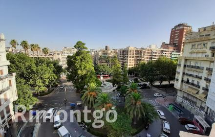 Penthouse for rent next to plaza Cánovas in Valencia.