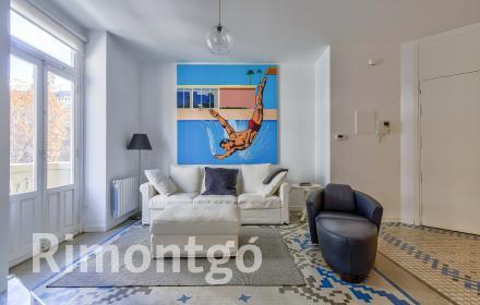 Completely renovated flat for rent in El Ensanche, Valencia.