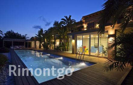 Luxury villa with sea views and a swimming pool in residential area of Los Monasterios, Puzol, Valencia.