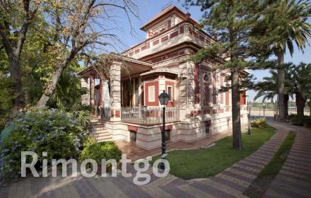 Luxury villa for sale in Valencia City