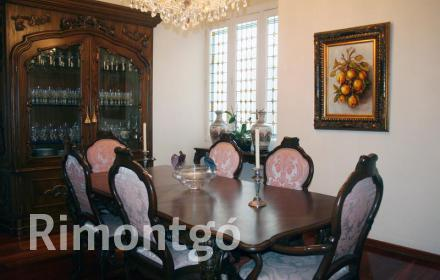 Classic style home with high quality finishing touches on Paseo de Ruzafa, in the city centre of Valencia.