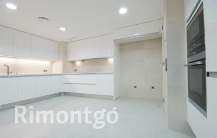 Apartment for sale in Avenida Aragon, Valencia
