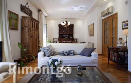 Spacious property next to the Mercado de Colón in Valencia.