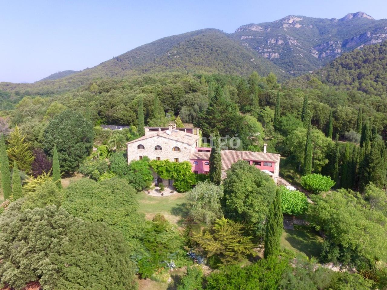 spectacular country home with views of a stunning natural