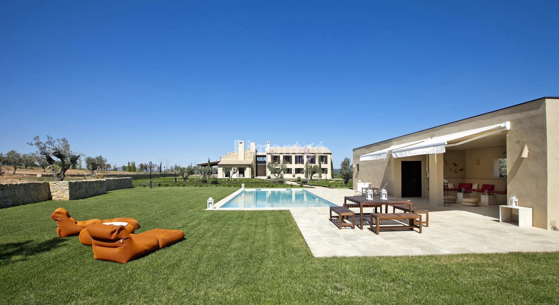 Luxury country house - finca for sale in Vall d'Albaida, Valencia