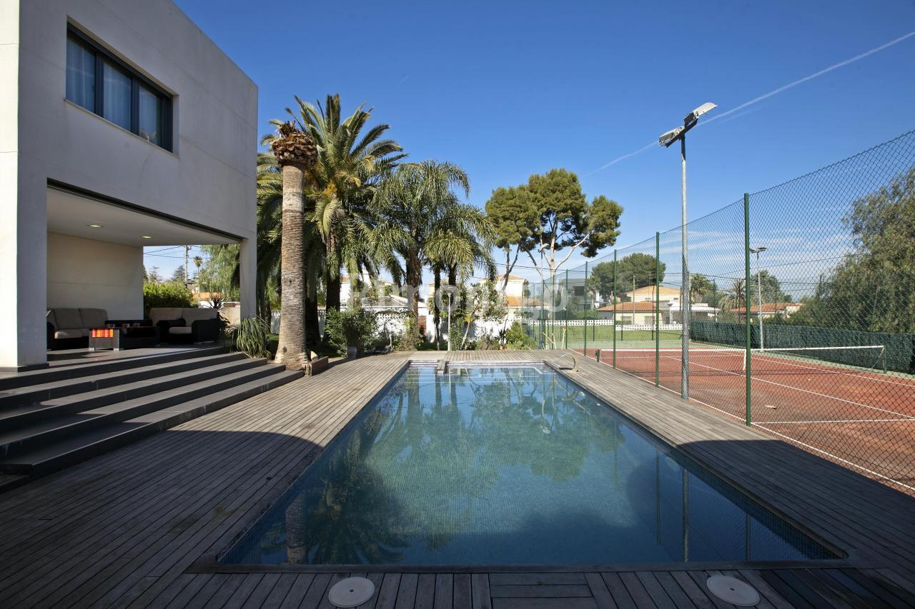 Luxury villa for sale in Calicanto, Valencia