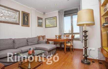 Modern style apartment in the centre of Valencia.