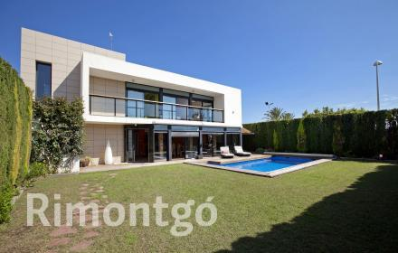 Luxury villa for sale in Sagunto, Valencia
