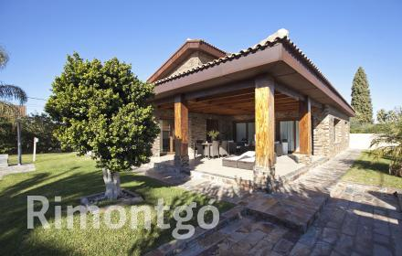 Exceptional villa situated in the best area of La Eliana.