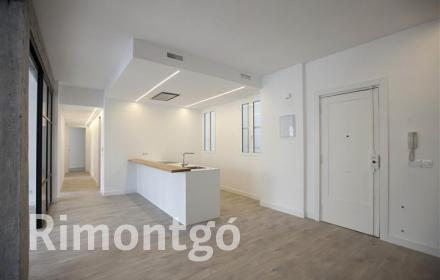 Reformed apartment in the centre of Valencia.