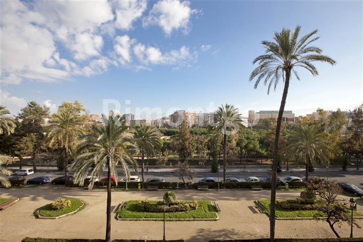Luxury apartment for sale in Centro  Ensanche, Valencia