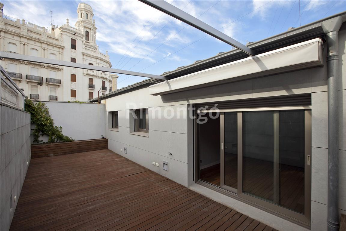 Luxury penthouse for sale in Centro  Plaza Ayuntamiento, Valencia