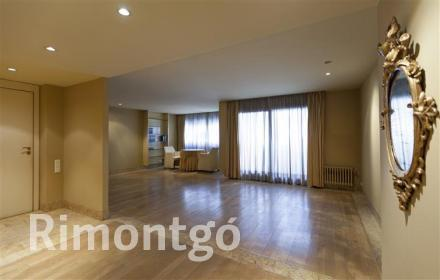 Duplex apartment for sale in the centre of Valencia.