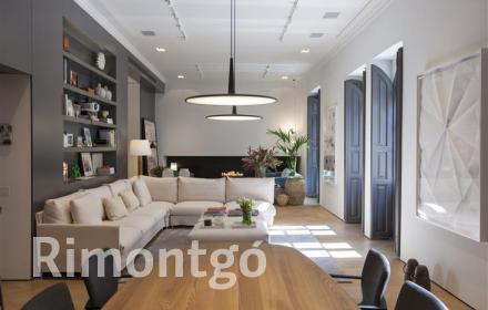 Reformed 345m2 apartment in the centre of Eixample, Valencia.