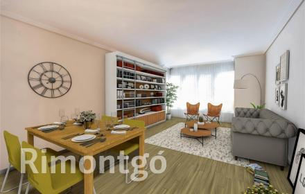 Valencia apartment for sale with parking space.