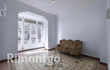 Exceptional flat for sale in the Ensanche district, Valencia.