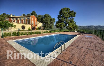 Estate with country house for rent in Terres dels Alforins.