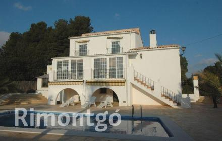 Villa for sale in Chiva, Valencia