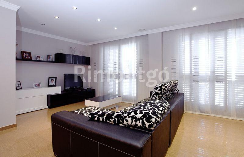Luxury town house for sale in Gilet, Valencia