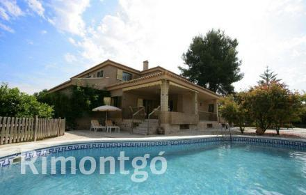 Villa for sale in El Vedat, Torrente, Valencia