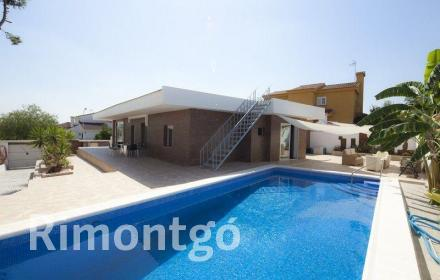 Villa for sale in Olimar, Chiva, Valencia
